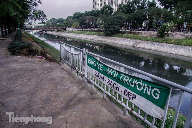 Tràn ngập nước thải, liệu sông Tô Lịch có tái sinh thành sông Thames? - Ảnh 11.