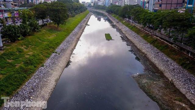 Tràn ngập nước thải, liệu sông Tô Lịch có tái sinh thành sông Thames? - Ảnh 13.