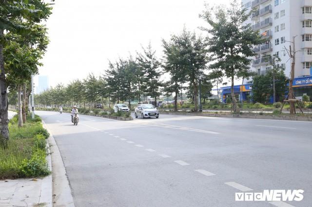 Ảnh: Cận cảnh phố 8 làn xe ở Hà Nội mang tên nhà tư sản Trịnh Văn Bô - Ảnh 2.