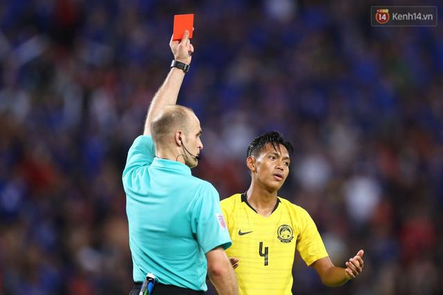 Cầu thủ Thái Lan suy sụp, gục khóc nức nở sau thất bại đau đớn trước Malaysia - Ảnh 18.