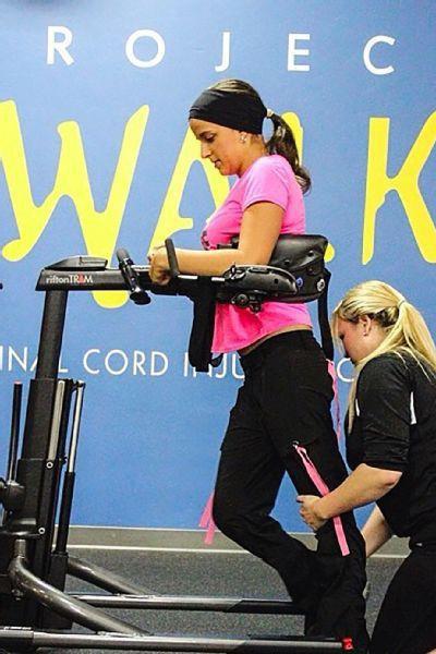 Victoria Arlen: Từ người thực vật mắc kẹt 4 năm trong cơ thể đến vận động viên phi thường khiến giới y học kinh ngạc - Ảnh 8.