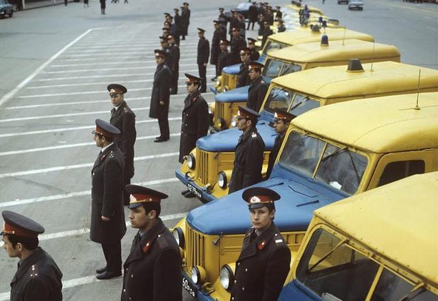 Cảnh sát Liên Xô thế kỷ trước đã đi cả BMW, Mercedes hay Volvo - Ảnh 1.
