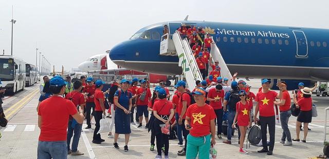 Nóng tour chung kết cổ vũ đội tuyển Việt Nam gặp Maylasia - Ảnh 1.