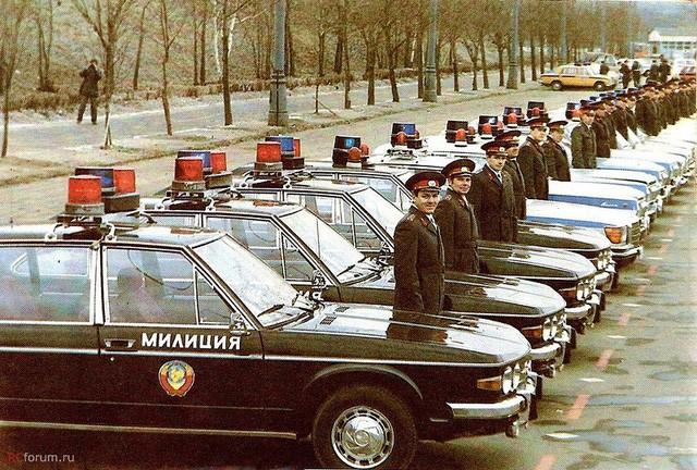 Cảnh sát Liên Xô thế kỷ trước đã đi cả BMW, Mercedes hay Volvo - Ảnh 12.