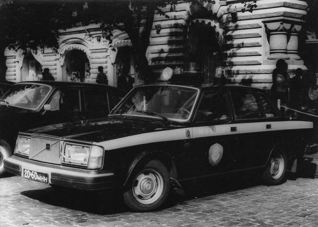 Cảnh sát Liên Xô thế kỷ trước đã đi cả BMW, Mercedes hay Volvo - Ảnh 13.