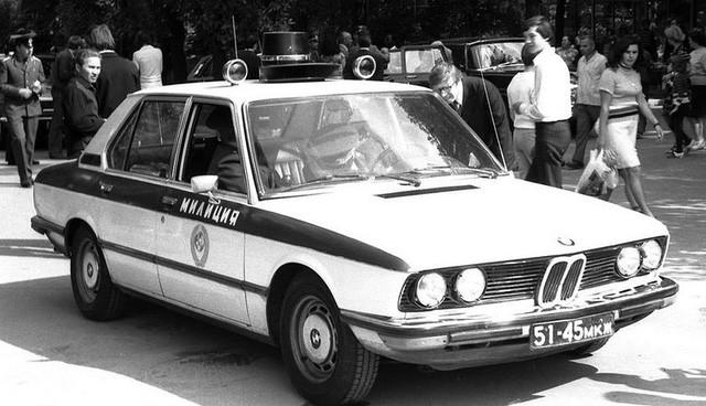 Cảnh sát Liên Xô thế kỷ trước đã đi cả BMW, Mercedes hay Volvo - Ảnh 15.