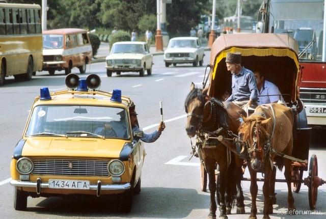 Cảnh sát Liên Xô thế kỷ trước đã đi cả BMW, Mercedes hay Volvo - Ảnh 16.