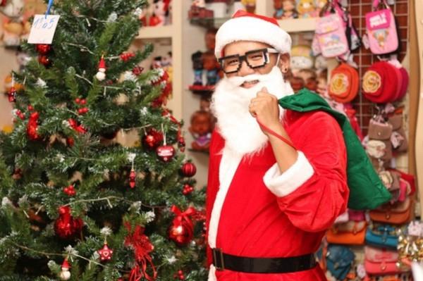 Không khí mua sắm Noel bắt đầu nhộn nhịp - Ảnh 7.