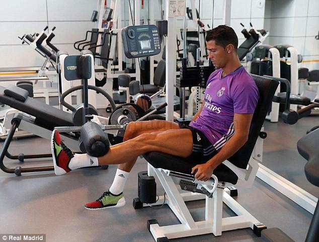 Cristiano Ronaldo: Câu chuyện thành công của chiến thần đi lên từ nỗ lực - Ảnh 11.