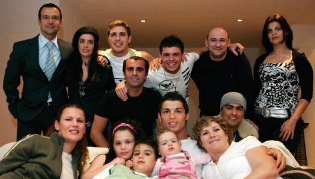 Cristiano Ronaldo: Câu chuyện thành công của chiến thần đi lên từ nỗ lực - Ảnh 2.