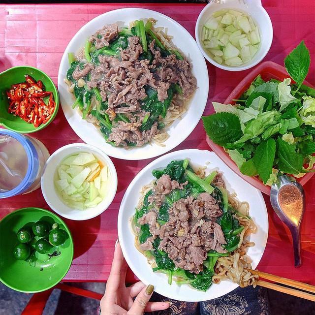 Hết Tết rồi mà vẫn còn nhiều quán xá nổi tiếng Hà Nội chưa mở cửa bán hàng trở lại - Ảnh 3.