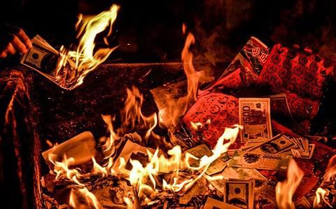 Thượng tọa Thích Nhật Từ: Số tiền đốt vàng mã có thể nuôi hàng triệu người Việt - Ảnh 2.
