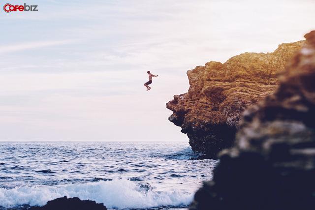 Đây là từ duy nhất ngăn cản bạn trên con đường đi tìm hạnh phúc, càng bỏ sớm bạn càng dễ sống an nhiên hơn - Ảnh 1.