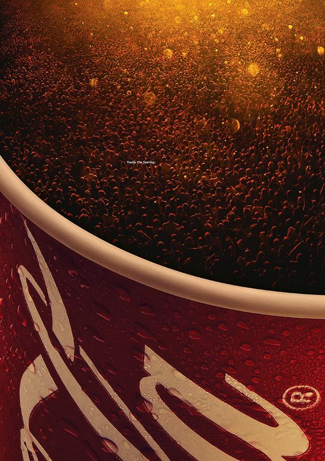 Soi kỹ một số print ads này đi, có phải Coca-Cola đang biến khách hàng thành... bọt gas? - Ảnh 2.