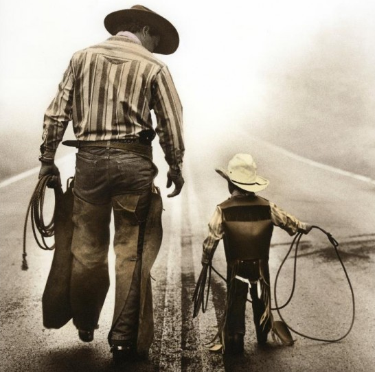 Khoa học mới chứng minh: Con mà giống cha là nhà có phúc rất lớn - Ảnh 2.