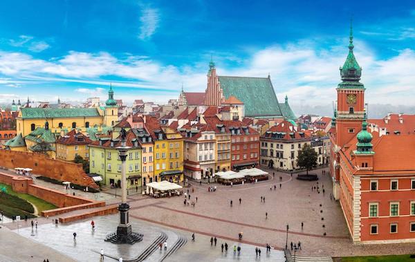 Chuyện khó tin ở Ba Lan: Ra luật cấm chợ búa, siêu thị kinh doanh ngày chủ nhật để lao động trong ngành bán lẻ có một ngày nghỉ thực sự - Ảnh 1.