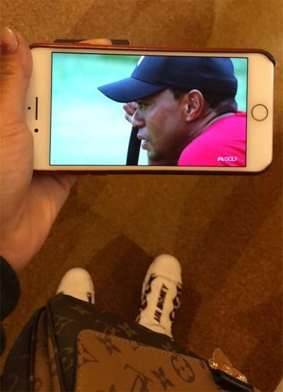 Từng đối mặt với nguy cơ giải nghệ ở tuổi 40, golfer lừng danh Tiger Woods gây bão trên mạng xã hội dù chỉ về nhì tại giải Valspar - Ảnh 1.