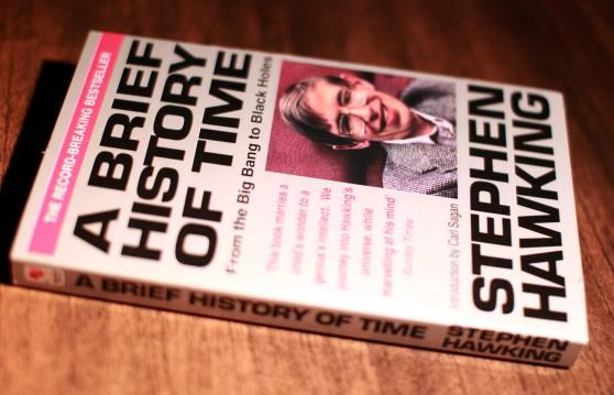 Dành cho những ai chưa biết Stephen Hawking, hãy xem bộ phim này để thấy cuộc sống của chúng ta vẫn còn may mắn lắm - Ảnh 1.