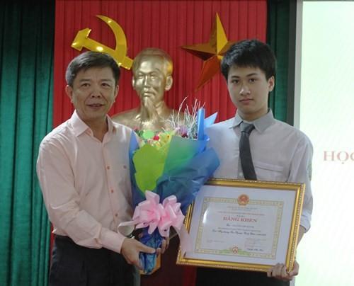 Bố mất sớm, mẹ bán thịt lợn, 9x Quảng Bình trúng tuyển vào ĐH số một thế giới - Ảnh 7.