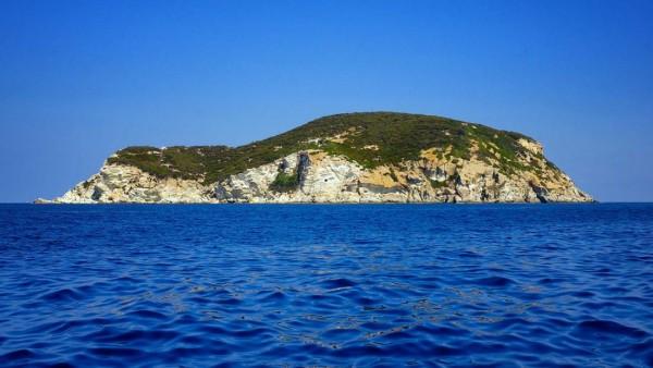 Hòn đảo 'thác loạn' - nơi chứng kiến những cuộc vui chơi trác táng của giới quý tộc Ý - Ảnh 1.