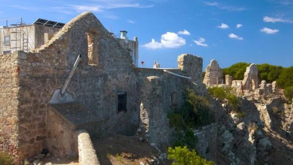 Hòn đảo 'thác loạn' - nơi chứng kiến những cuộc vui chơi trác táng của giới quý tộc Ý - Ảnh 2.