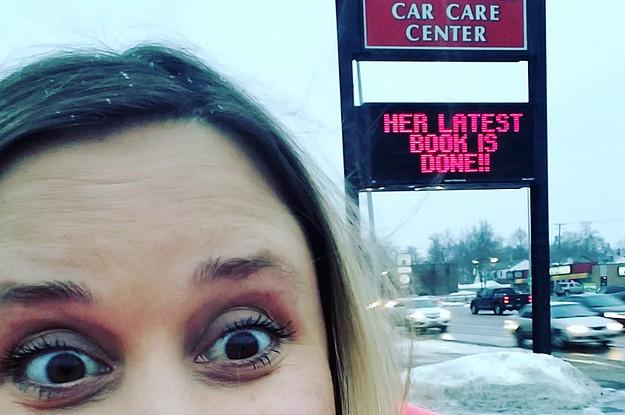 Ngồi lì 6 tiếng ở tiệm sửa xe, không những không bị đuổi, cô gái này còn được tiếp động lực hoàn thành cuốn tiểu thuyết trong 13 ngày - Ảnh 4.