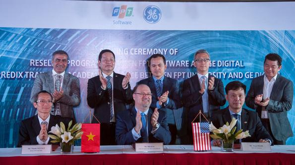 Chủ tịch FPT Trương Gia Bình nói về cách mạng công nghiệp 4.0: Cái thiếu nhất là con người! - Ảnh 1.
