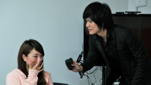 """Thuê """"soái ca"""" về lau nước mắt: Văn hóa giải quyết stress kì lạ ở Nhật - Ảnh 3."""