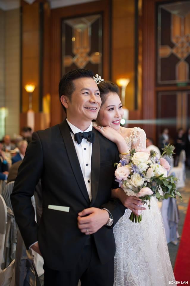 Cận cảnh đám cưới kỳ công xanh màu đại dương của Shark Hưng và cô dâu Á hậu - Ảnh 19.