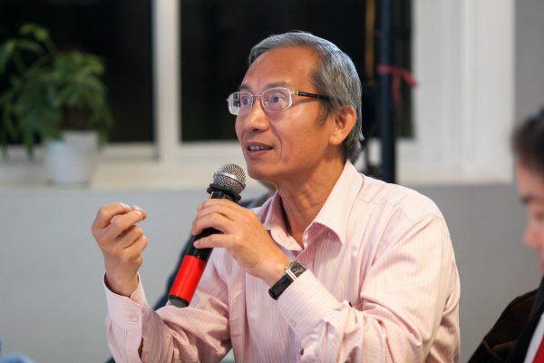 Chủ tịch Hiệp hội Thương mại điện tử Việt Nam: Kinh tế chia sẻ kiểu Uber và Grab tại nước ta có thực sự là chia sẻ? - Ảnh 1.