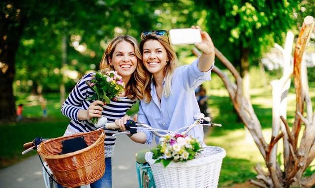 Vì sao đàn ông nên tặng hoa cho người yêu thương của mình trong ngày 8/3? Câu chuyện bắt nguồn từ một ý nghĩa tuyệt vời - Ảnh 4.