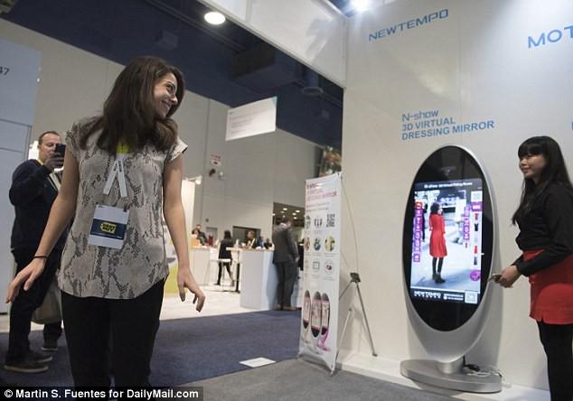 """Jack Ma tham vọng nắm người tiêu dùng """"trong lòng bàn tay"""" nhờ công nghệ và mô hình bán lẻ một vàih mạng: New Retail - Ảnh 4."""