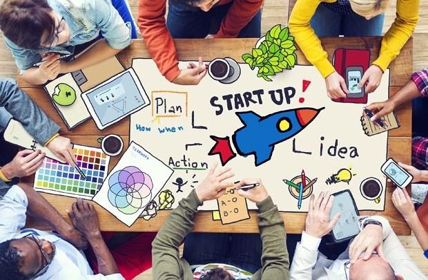 CEO DesignBold: Think big, do SMALL – Cứ đặt mục tiêu tỷ USD, nhưng giải 'bài toán phụ' ngắn hạn mới là mấu chốt để Startup sống sót đến khi đủ tầm giải bài toán chính - Ảnh 2.