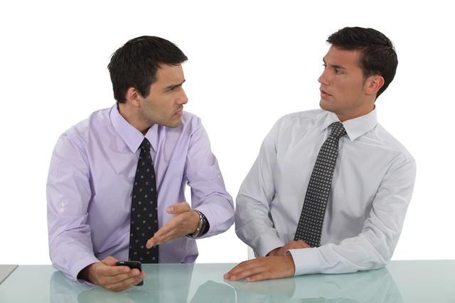6 bước quan trọng bạn nên biết để đối phó khi bị đồng nghiệp chơi xấu  - Ảnh 2.