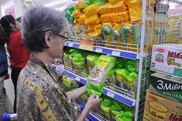 Hàng Việt... biến mất sau khi siêu thị vào tay đại gia Thái - Ảnh 1.