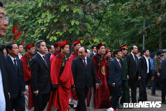 Trực tiếp: Thủ tướng dâng hương tại Đền Hùng từ sáng sớm - Ảnh 2.