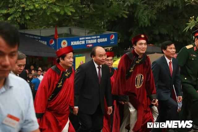 Trực tiếp: Thủ tướng dâng hương tại Đền Hùng từ sáng sớm - Ảnh 3.