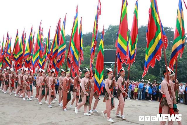 Trực tiếp: Thủ tướng dâng hương tại Đền Hùng từ sáng sớm - Ảnh 6.