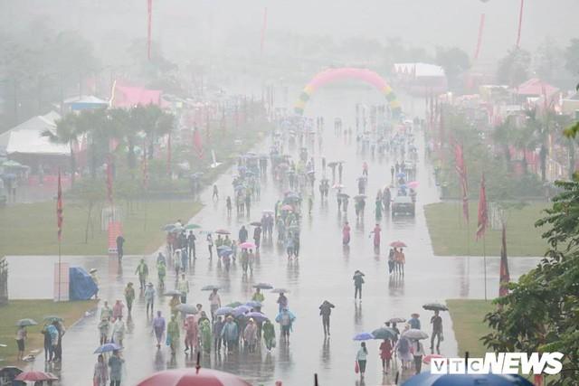 Trực tiếp: Thủ tướng dâng hương tại Đền Hùng từ sáng sớm - Ảnh 8.