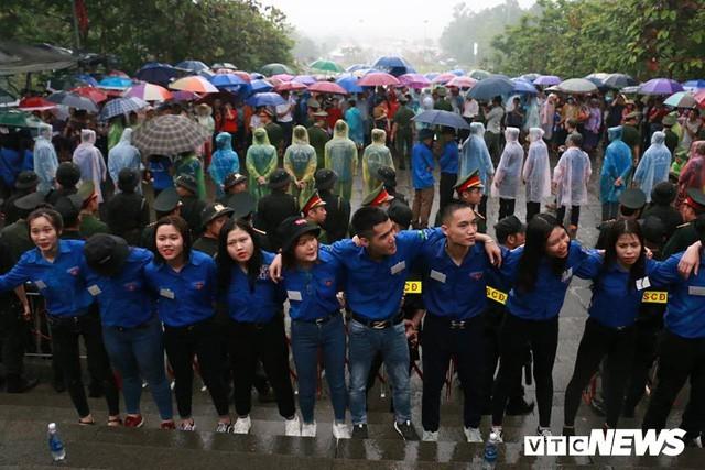 Trực tiếp: Thủ tướng dâng hương tại Đền Hùng từ sáng sớm - Ảnh 9.