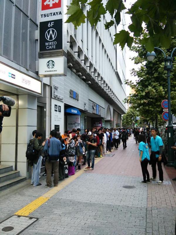 Kỳ lạ nghề xếp hàng thuê ở Nhật: Làm việc liên tục 8 tiếng không dám ăn uống, có ngày kiếm được tới hơn 10 triệu đồng - Ảnh 1.