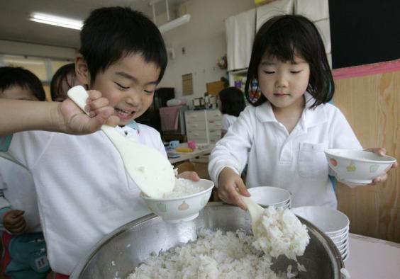 Đây là mô hình tổ chức ăn trưa tại trường mà nước nào cũng cần học tập người Nhật - Ảnh 3.