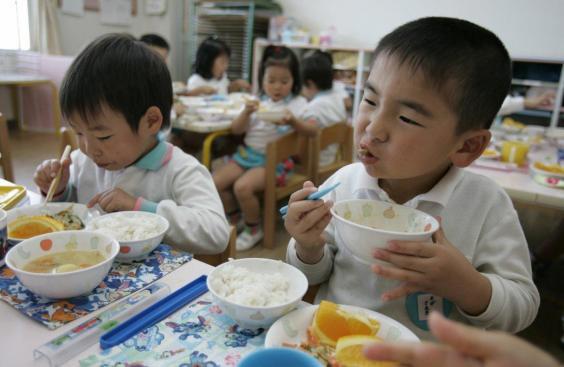 Đây là mô hình tổ chức ăn trưa tại trường mà nước nào cũng cần học tập người Nhật - Ảnh 9.