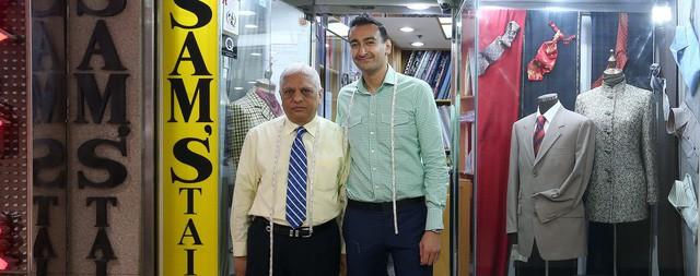 Là chủ sở hữu đời thứ 3 của tiệm may comple danh tiếng nhưng người đàn ông này cho rằng, quần jean mới là thứ đáng đầu tư - Ảnh 2.