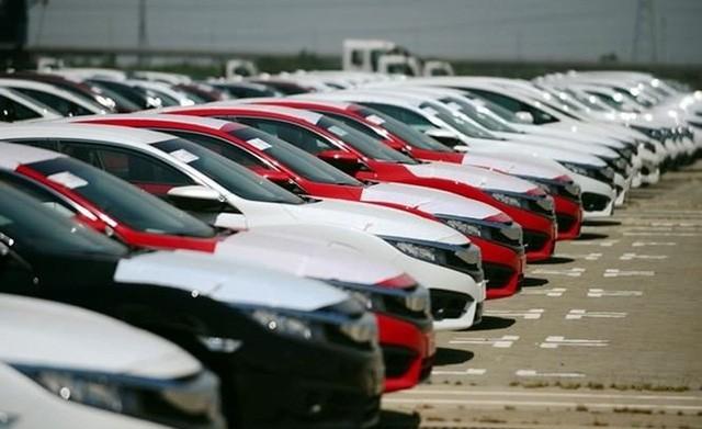 Một thập kỷ, hai thái cực ôtô nhập khẩu - Ảnh 1.