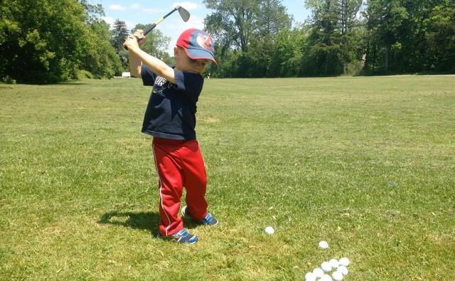 Những bài học cuộc sống quý giá golf có thể dạy cho con bạn - Ảnh 4.