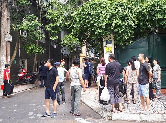 Cháy khách sạn ở Hà Nội, khách nước ngoài chạy tán loạn - Ảnh 7.