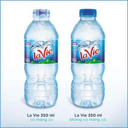 Nhãn hiệu La Vie ngưng sử dụng màng co nắp chai cho sản phẩm 350ml - Ảnh 1.