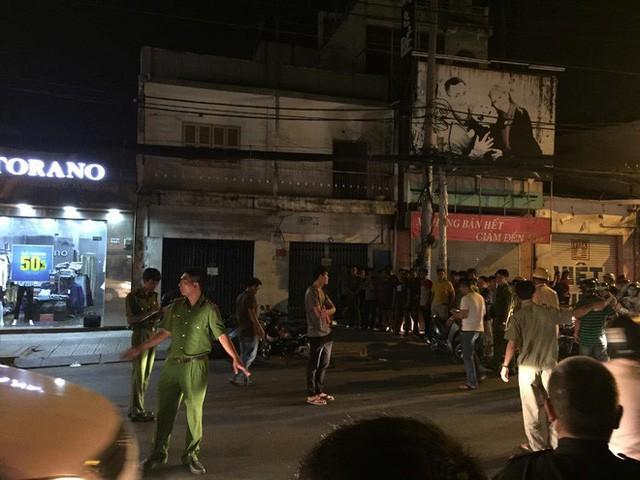 Khởi tố vụ nhóm trộm đâm 2 hiệp sĩ tử vong ở Sài Gòn - Ảnh 2.