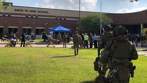 Xả súng trong trường học ở Mỹ, ít nhất 8 người thiệt mạng - Ảnh 1.